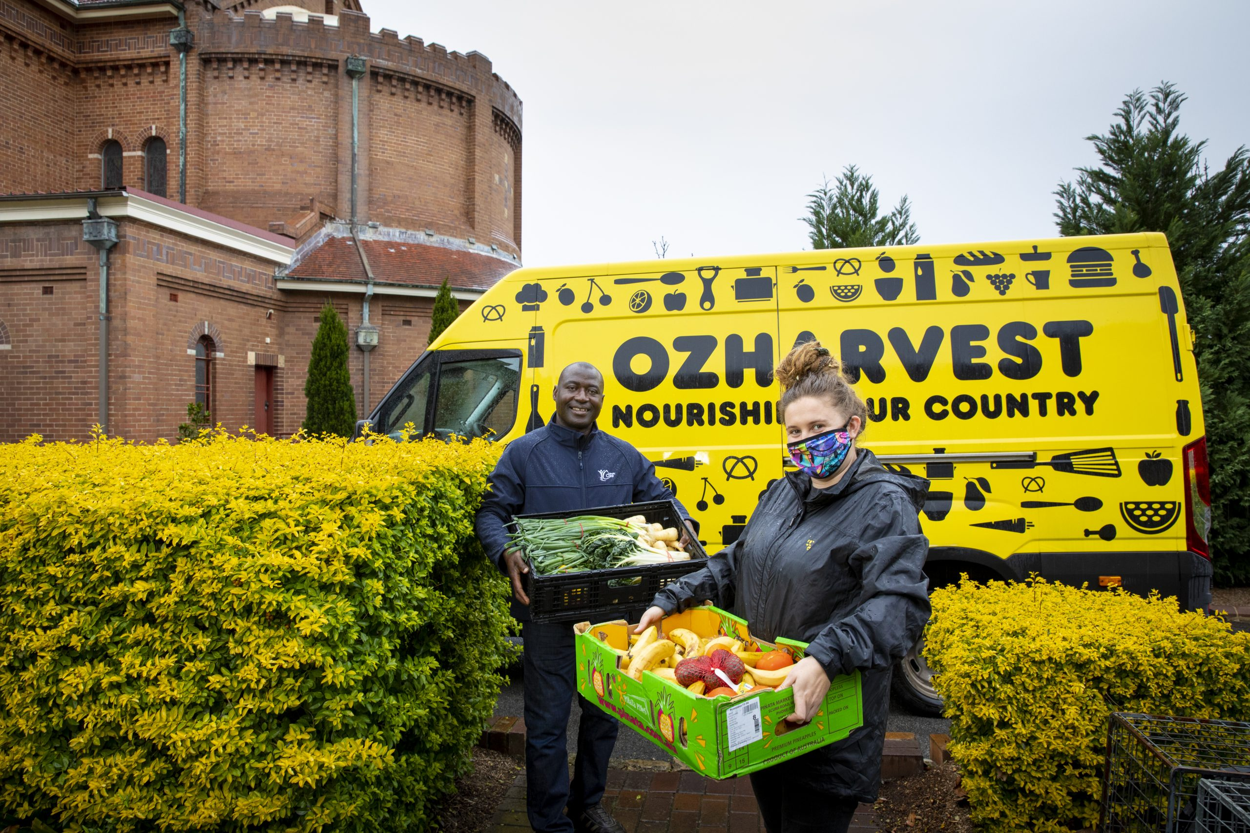 Ozharvest-newcastle-delivers-to-charity-dara-scaled